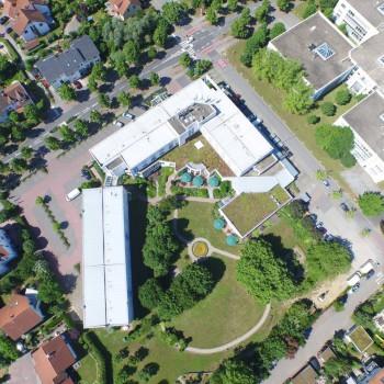 drohnen-luftbilder-drohnenaufnahme-hotel-aeb4